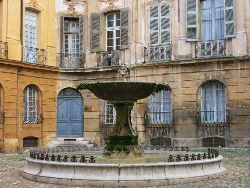 Fontaine Place d'Albertas Aix-en-Provence France