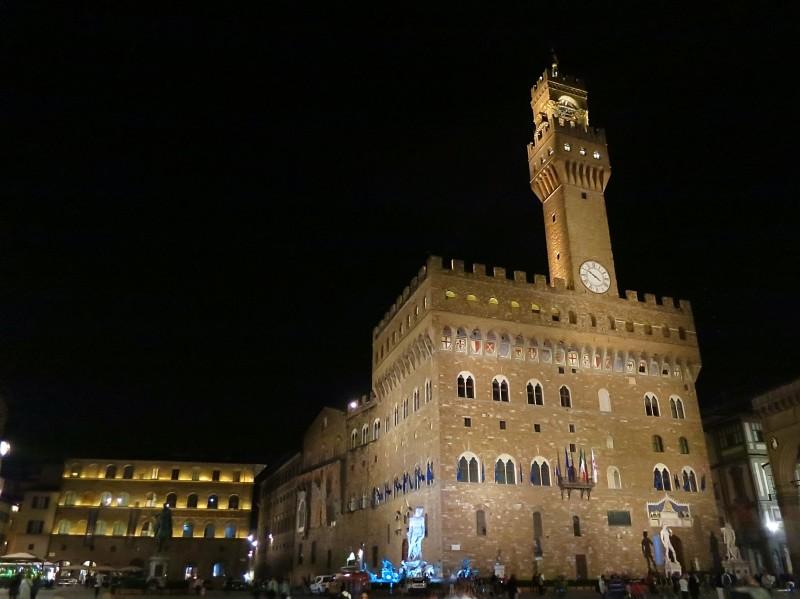 Palazzo Vecchio at night