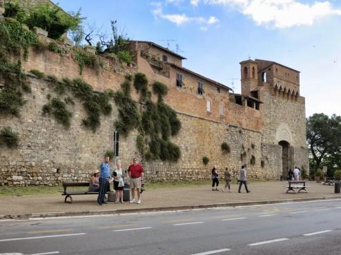 San Gimignano bus stop arrival from Poggibonsi