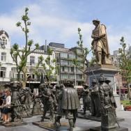 Statues at Rembrandtplein Amsterdam