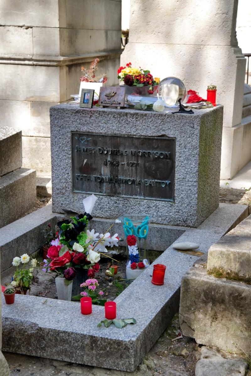 Top Morrison's Grave Pere Lachaise QF57