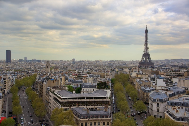 Things to do in paris climb the arc de triomphe for Best view of eiffel tower from hotel room