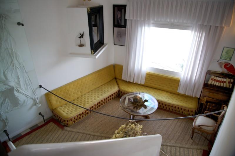 Dali House Yellow Room