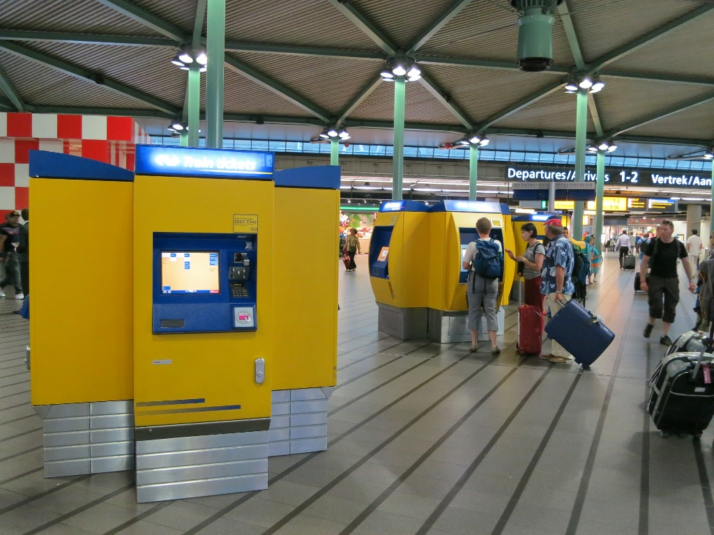 Ns Train Ticket Vending Machines At Schiphol