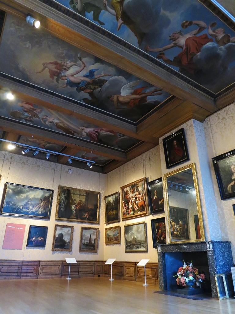 Large Salon Cromhouthuizen-Bijbels Museum Amsterdam