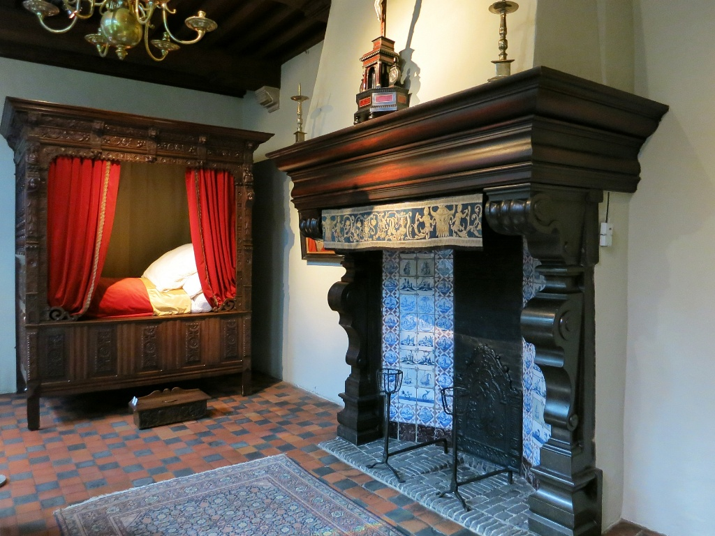 canopy bed and fireplace rubens house museum antwerp belgium