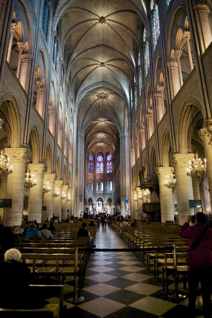 Central Nave Notre Dame Paris France