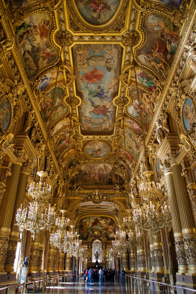 L Opéra Garnier Grand Foyer De L Opera : Grand foyer chandeliers and frescoed ceiling palais