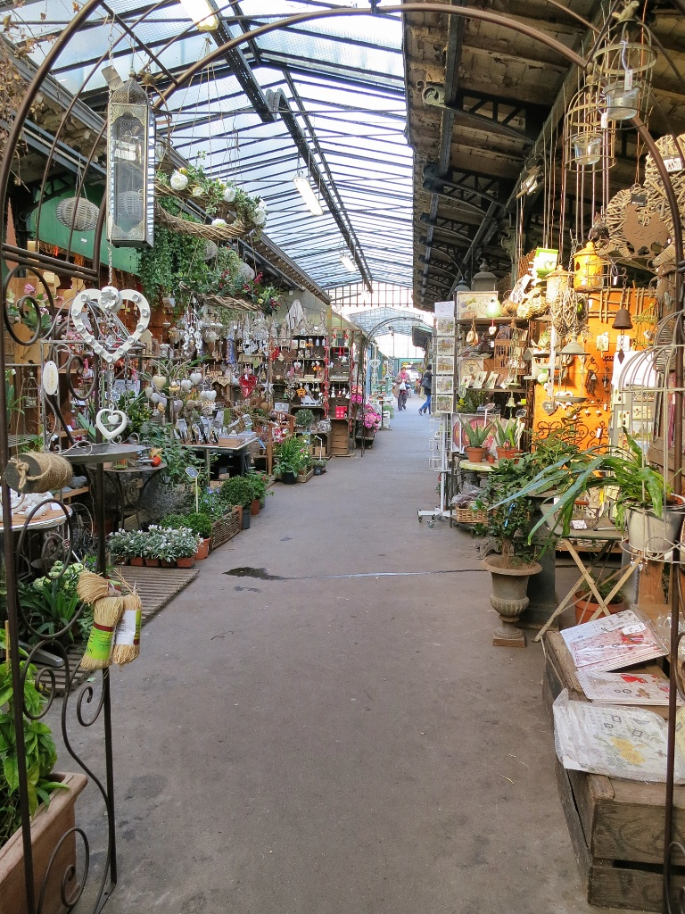 what to see and do in paris the flower market. Black Bedroom Furniture Sets. Home Design Ideas