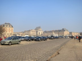 Parking lot in front of Versailles