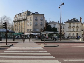 crossing the street at Versailles Rive Gauche