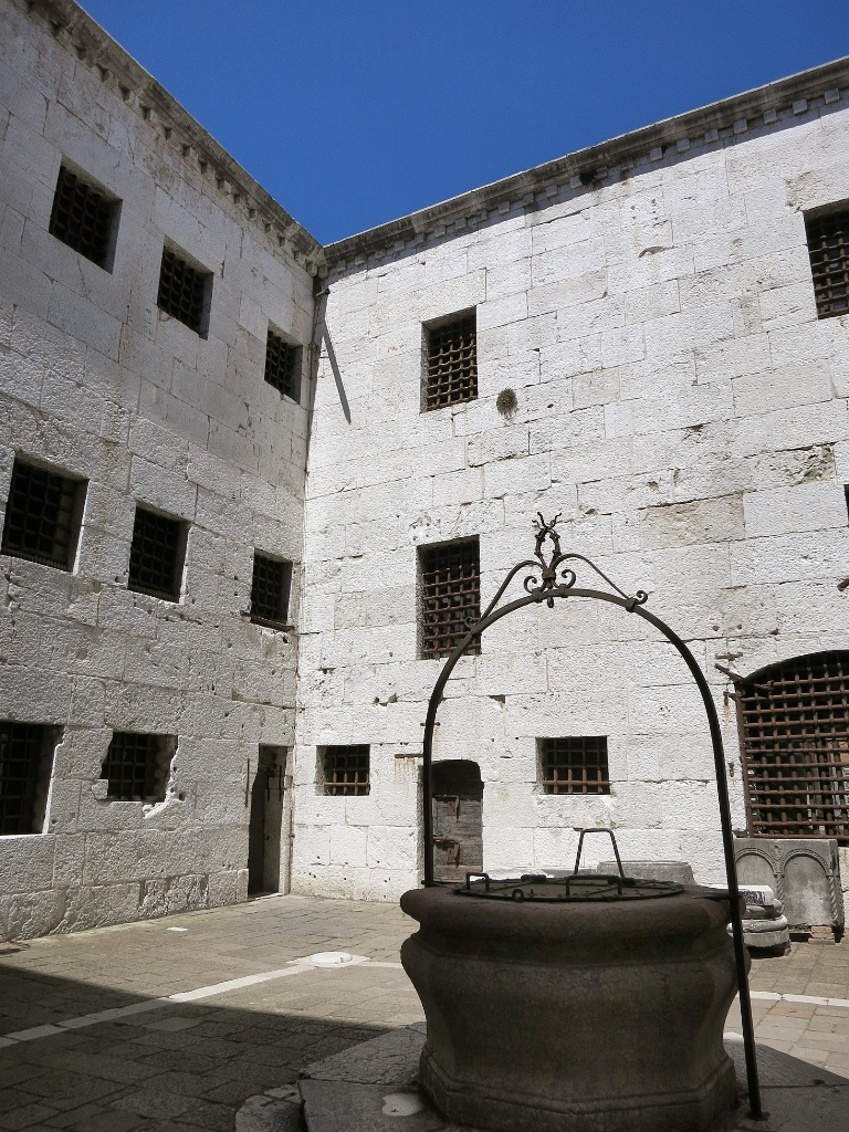 Courtyard Of New Prison Palazzo Ducale Venice Italy