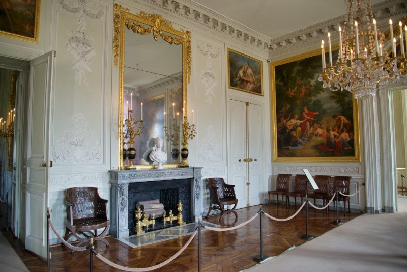 Things to do near paris the rest of the versailles estate for Plan trianon salle