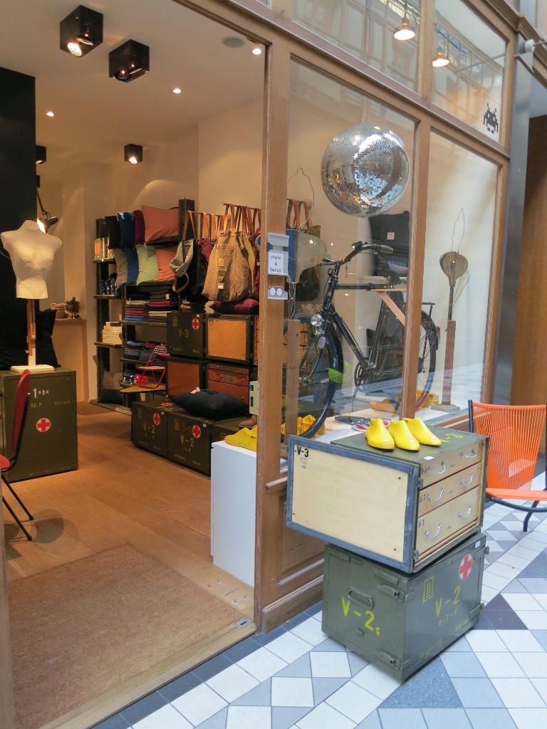 marie et benoit boutique passage du grand cerf paris france