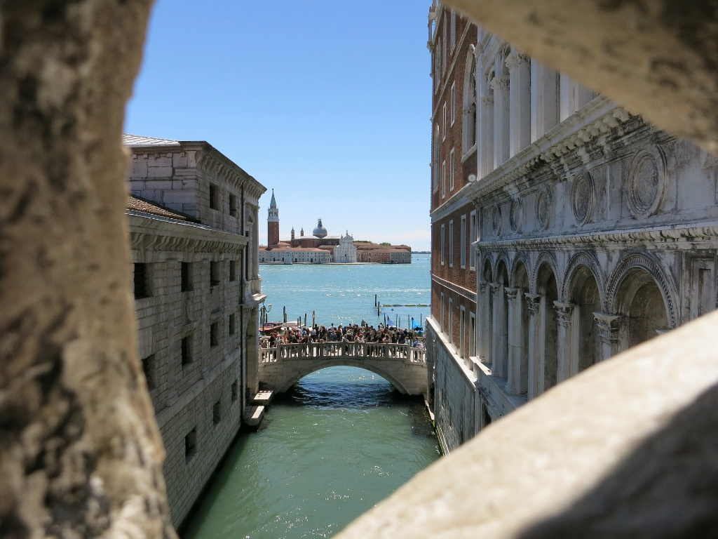 prisoner s last view bridge of sighs palazzo ducale venice italy. Black Bedroom Furniture Sets. Home Design Ideas