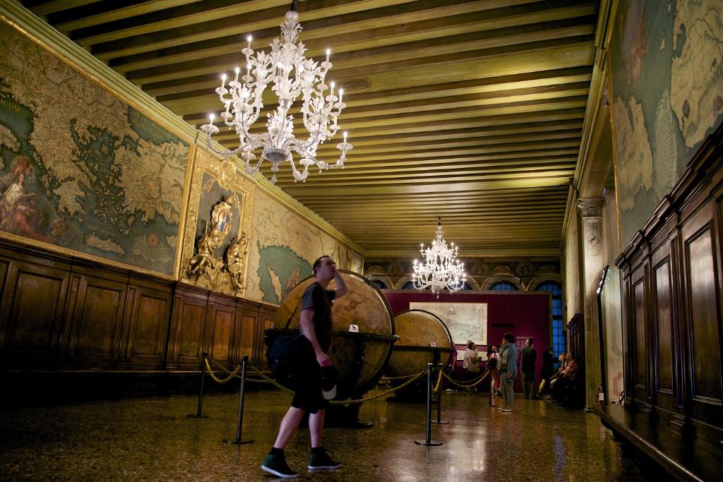Sala Dello Scudo Palazzo Ducale Venice Italy
