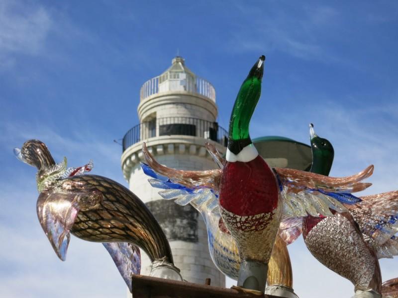 Istorija Murano stakla  - Page 4 Glass-Ducks-and-Lighthouse-Murano-Italy-800x600