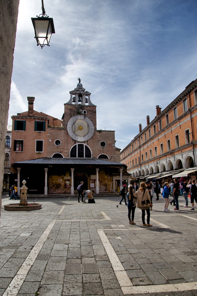 things to do in venice visit the church of san giacomo di rialto. Black Bedroom Furniture Sets. Home Design Ideas
