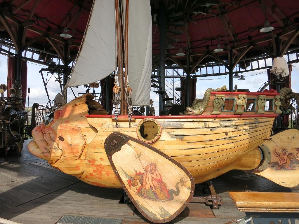 fishboat le carrousel des mondes marins les machines de l. Black Bedroom Furniture Sets. Home Design Ideas
