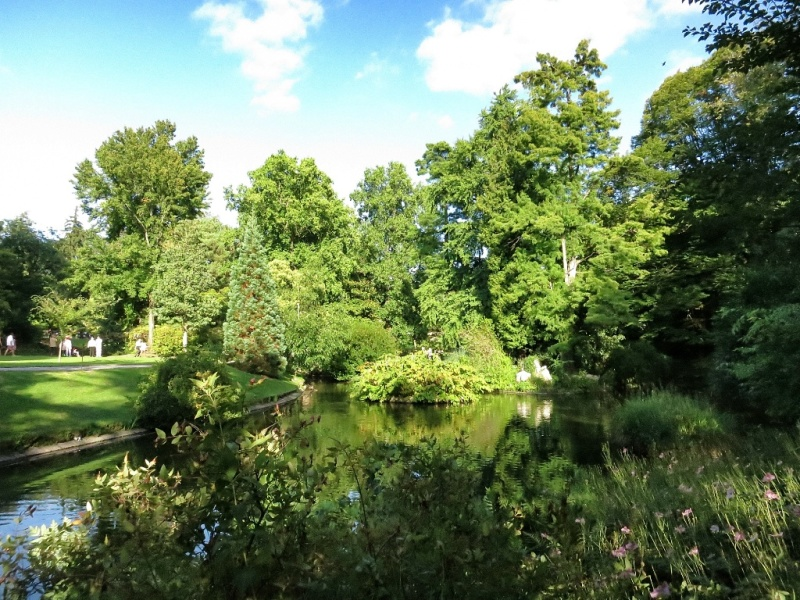 ... De Pierre Jardin Des Nantes France Pond Jardin Des Plantes Nantes  France ...