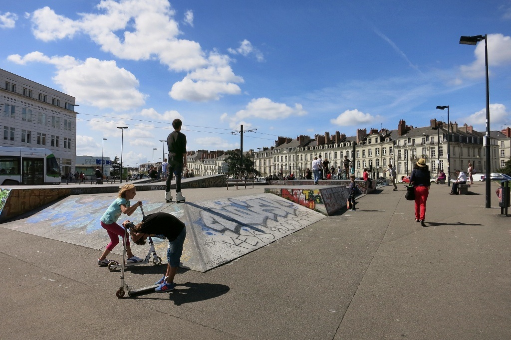 skate park at place ricordeau nantes france. Black Bedroom Furniture Sets. Home Design Ideas