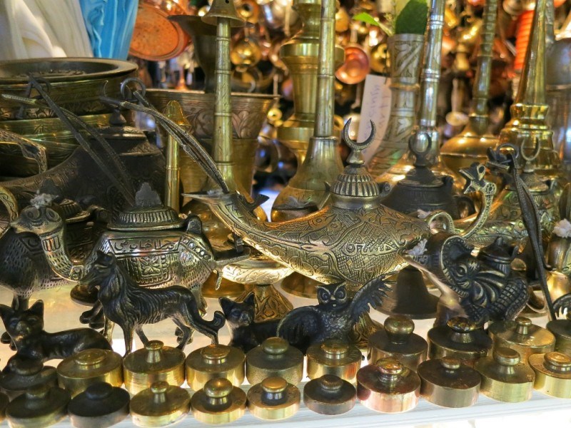 Aladdin S Lamp Scale Weights Statues Antique Shop Grand