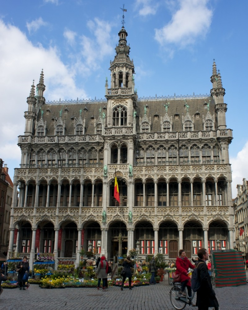 things to see in brussels la grand place. Black Bedroom Furniture Sets. Home Design Ideas