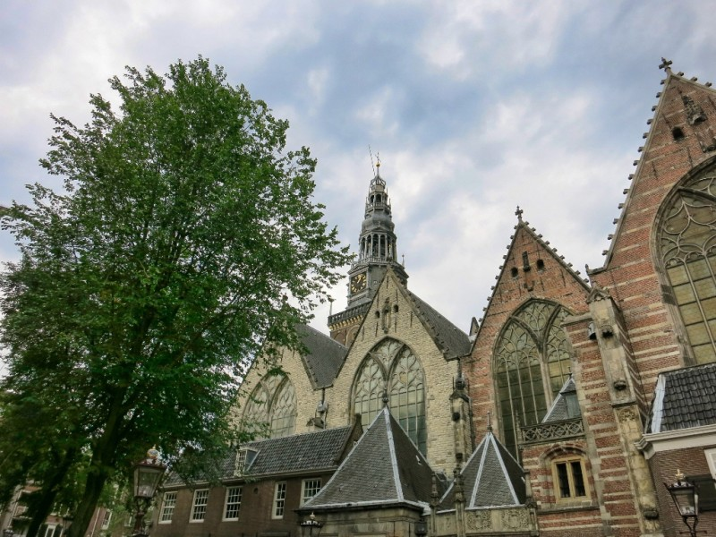 Exterior Oude Kerk Amsterdam