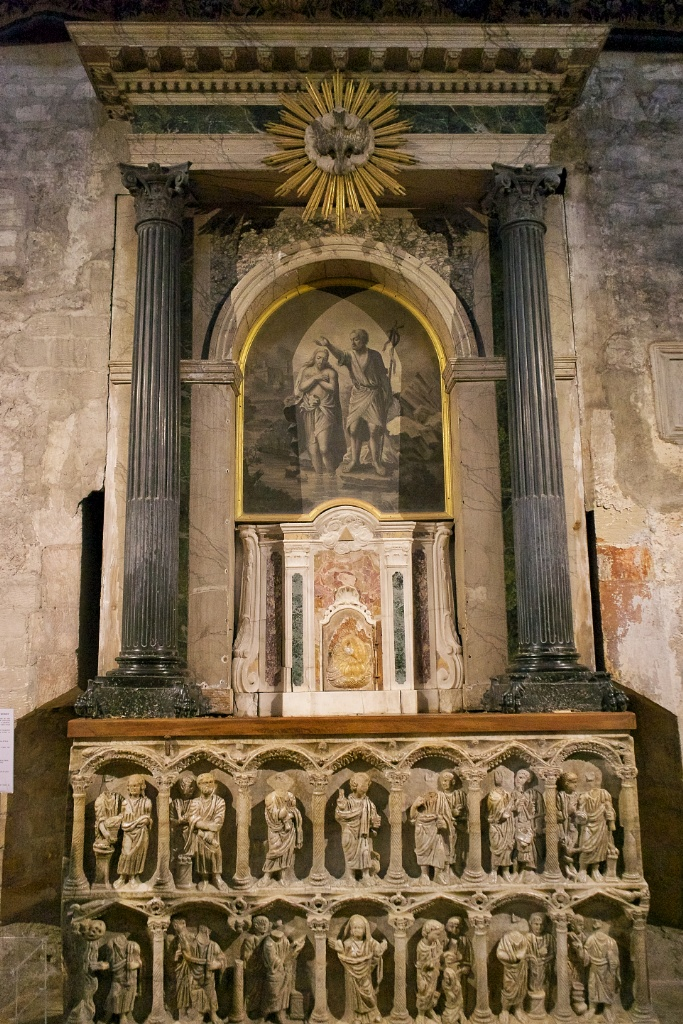 things to do in arles visit the church of st trophime