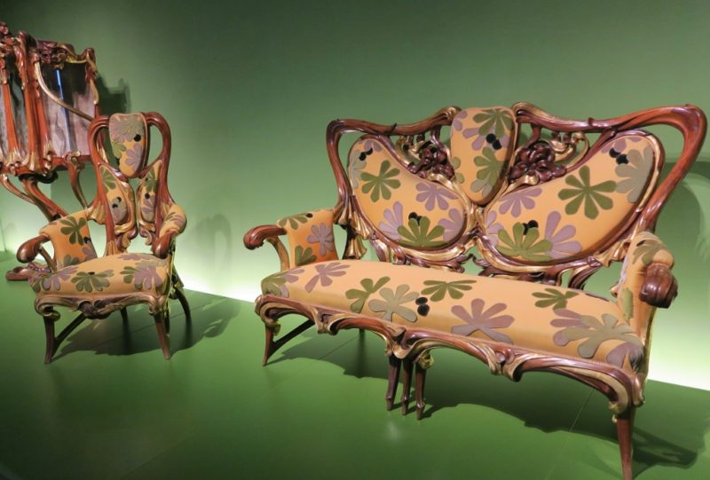 Chair and Settee by Aleix Clapes MNAC Barcelona
