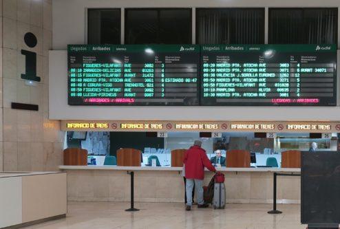 Info Board Barcelona Sants Station