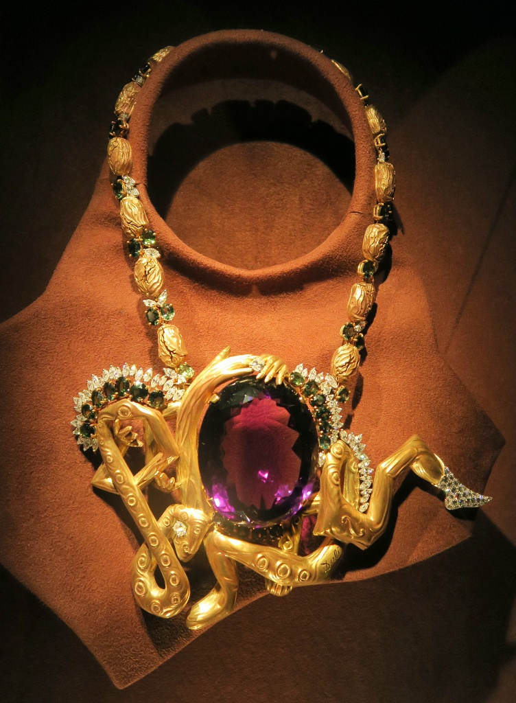 Necklace with Entwined Limbs Dali Jewels Figueres Spain