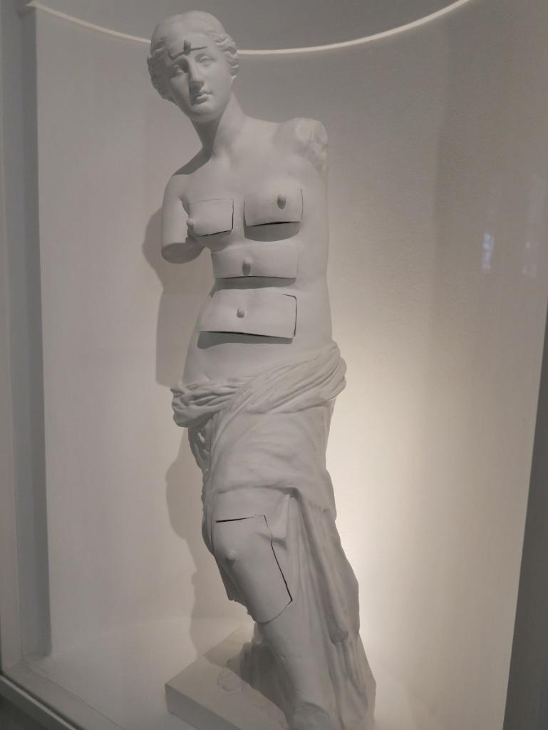 Venus de Milo with Drawers Dali Theatre Museum Figueres Spain