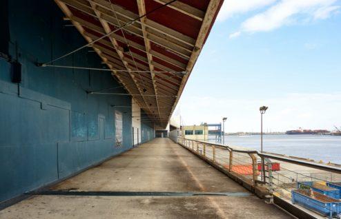 Walkway Riverwalk New Orleans