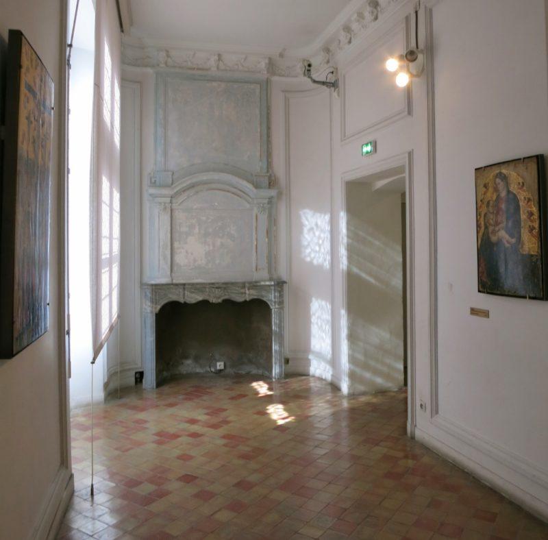 Fireplace Musee du Petit Palais Avignon France