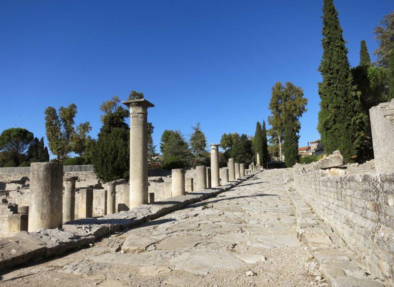 Column Lined Street La Villasse Vaison la Romaine France